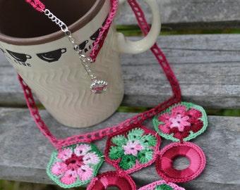 "Crochet Necklace ""Raspberry Garden"""