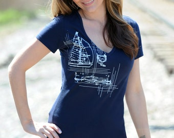 SALE - xs, s, l, xxl, nautical print. sailboat. navy tee shirt. women's tee shirt. womens plus size clothing. v-neck tshirt. sale,