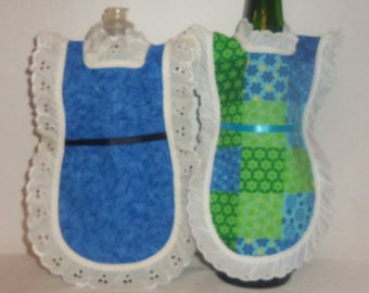 Dish Soap Apron, Wine Bottle, Detergent Cover,  Blue Green Floral, Eyelet Lace, Mini Kitchen Apron, Bottle Cozy