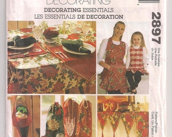 Mantle Cover, Tablecloth, Gift Box, Placemat and Napkin, Adult and Child Apron, Wine Sack, McCalls 2897 Christmas Accessories Uncut
