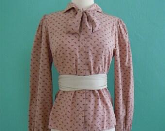 vintage 80's rose tie blouse // rosy tan leaf print tie top