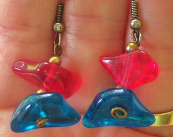 blue and pink dangle and drop pierced earrings 814Azz