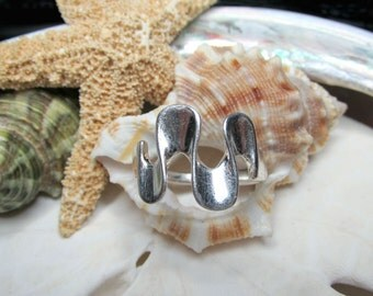 Sterling Silver Wavy Ruffle Ring  3.40g Size 9