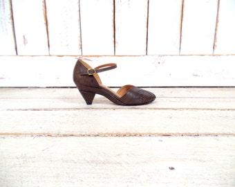 VIntage Frye brown leather peep toe maryjane heels/peep toe shoes
