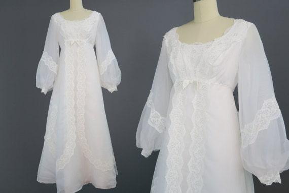 1960s Renaissance Style Wedding Dress / Vintage Bridal