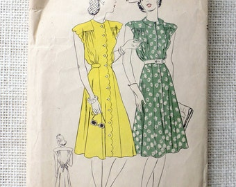 Vogue 8418 pattern Bust 32 early 1940s shirred bodice flared skirt dress shirtwaist button down collarless