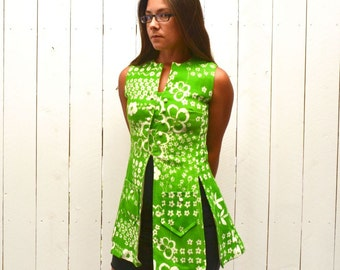 Mini Tunic Top - 1960s Go-Go Cover Up Top - Lime Green - Vintage Floral Print Top - Twiggy Style - Extra Small XS / Small S