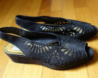 Black suede leather peep-toe platform wedge slingback shoes lacy laser cut leather and mesh Via Spiga made in Italy retro 1940s costume sz 8