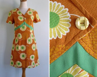 10 to 25% OFF (See Shop) Vintage 60's 'Flower Power' Orange Mod Daisy Shift Dress S or M