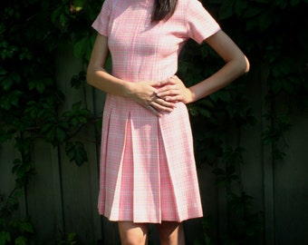 vintage Mod Pink Dress 1960s Pink white green soft wool plaid box pleat Size small to medium