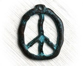 Peace sign pendant, green patina on copper, Hippie Boho charm pendant, Verdigris, Greek beads, organic, metal casting - 1pc - F270