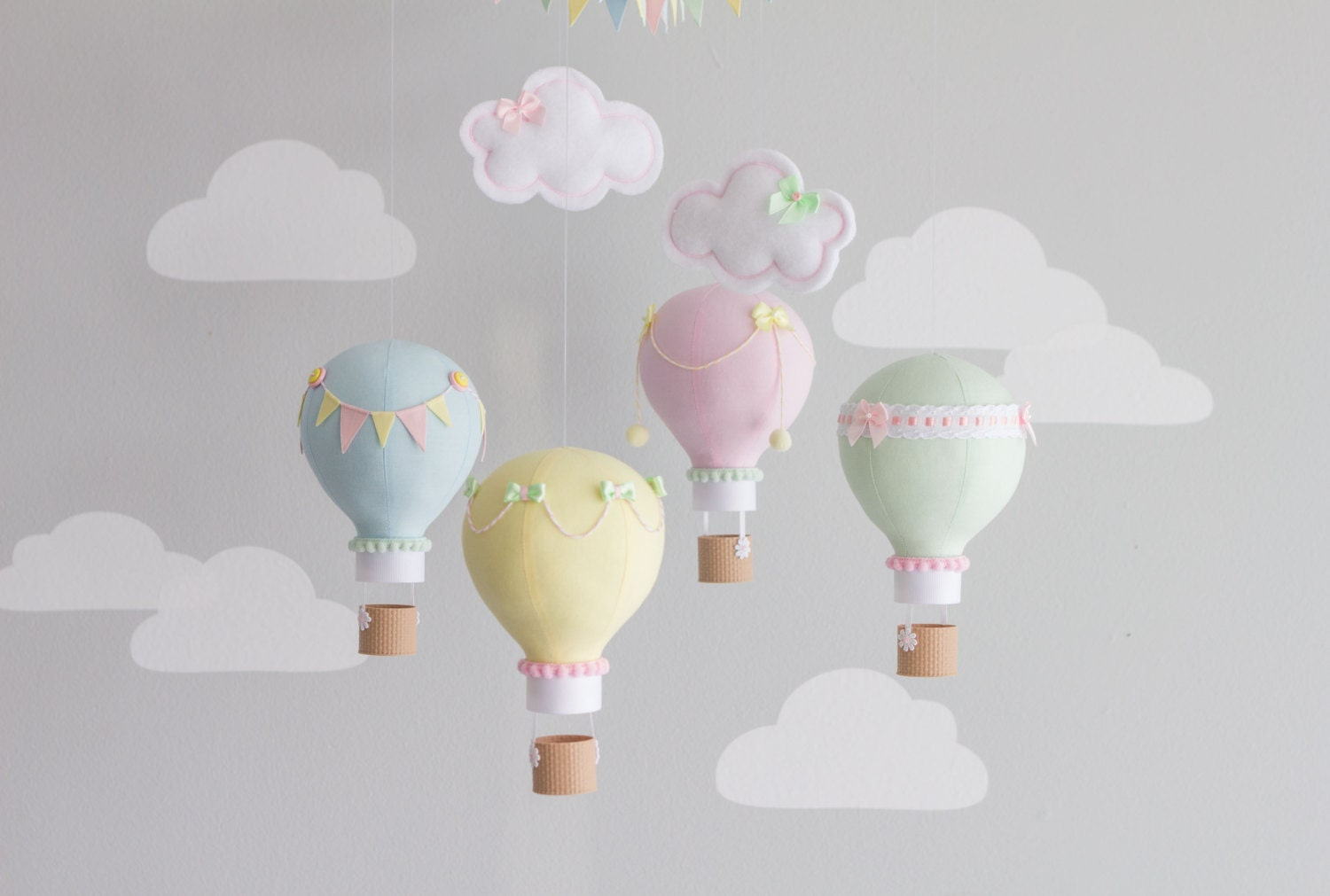Pastel baby mobile hot air balloon mobile custom mobile for Air deco