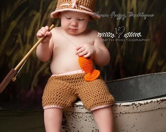 Instant Download PDF Crochet Pattern - No. 69 Gone Fishing Hat & Shorts Outfit - 4 Sizes