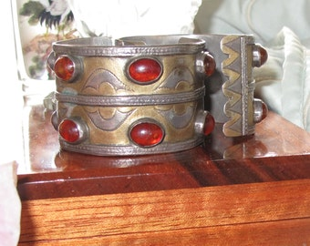 Antique Carnelian Indian SIlver Cuff Bracelet