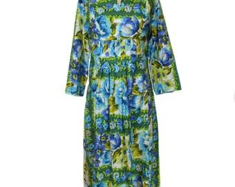 vintage 1970s floral maxi dress / cotton / blue green white / 60s 70s dress / day dress / women's vintage dress / size medium