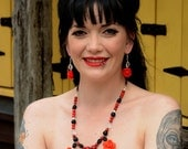 Scarlet Darling hearts and flowers romantic necklace- Pin-up Collection