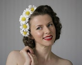 """Daisy Hair Accessory, White Flower Crown, Daisies Headband, 1960s Floral Fascinator, Vintage for Women, Hair Piece - """"Summer Enchanting"""""""