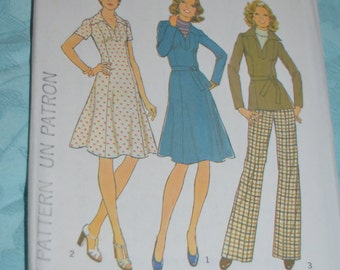 Vintage 70s Simplicity 7177 isses Dress or Top and Pants Sewing Pattern - UNCUT Size 12 Bust 34