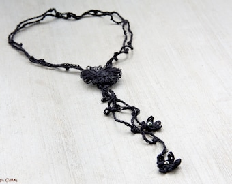Flower Y necklace | made with black linen | crocheted