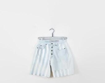 Vintage Pale Blue x White Stripe Denim Shorts from 1980's/W26*
