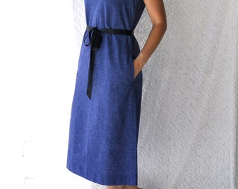 Margaret Smith 60s Shift Dress with Pockets | Midi Knee Length Sheath. Boho Hippie Sleeveless Sundress. Mod Day Dress. Blue Jumper Dress | L