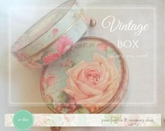 Vintage box VB01 / Servietten Blechdose / Boîte en fer blanc de découpage
