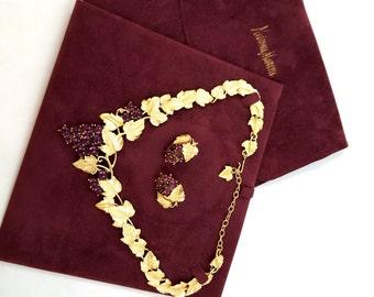 Vintage TRIFARI KUNIO MATSUMOTO Necklace Earrings Demi Parure Cabochon Rhinestone Grape Cluster Gorgeous Rare Wine Conniosseur
