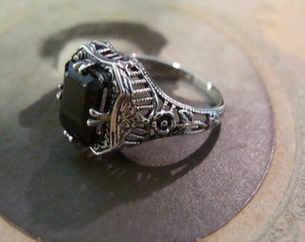 Pretty Sterling Black Onyx Filigree Ring  Size 6.5 Victorian style