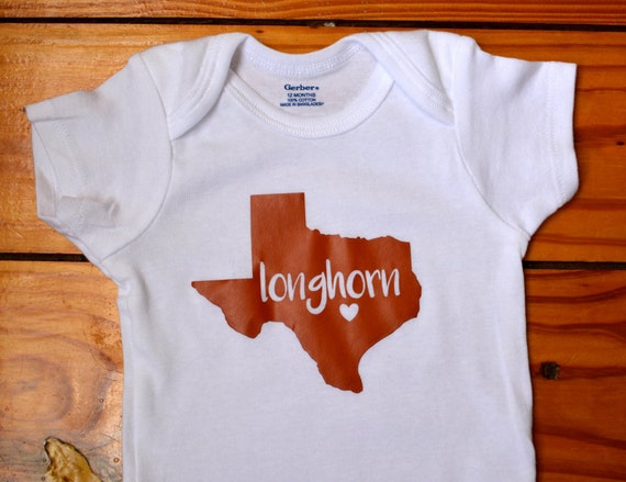 Baby clothes, unique children's toys, custom furniture. Baby clothing from preemie to toddlers, this family owned Houston boutique store has personalized gifts and more.