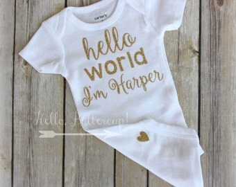 Gold Hello World bodysuit, Gold glitter take home outfit, Coming Home outfit, Newborn bodysuit, newborn outfit, New baby outfit, Name onesie