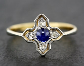 Art Deco Sapphire Ring - Antique Sapphire & Diamond Art Deco Ring in 18ct Gold and Platinum