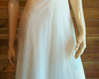 Vintage Lingerie 1950s EYEFUL by the FLAUMS Off White Sz 30 Chiffon Nightgown