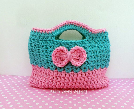 Crochet Bag For Girl : CROCHET Bag Pattern Cutie bow bag Girls Crochet tote bag pattern pink ...