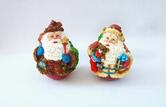 Vintage santa claus round figurines exclusively from