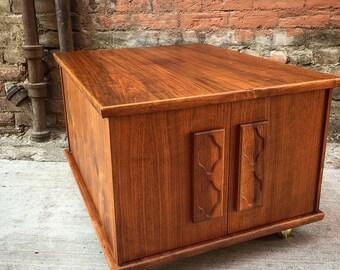 Mid Century Retro Swivel Walnut End Table / Storage Table / MCM Decor