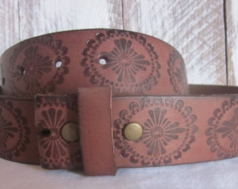 Size small  32 inch soft genuine leather embossed brown belt strap
