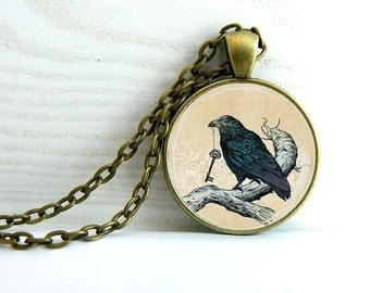 "Pendant "" The crow with key """