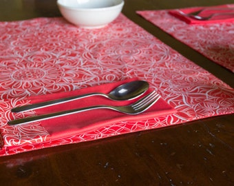 Placemat set with coordinated napkins
