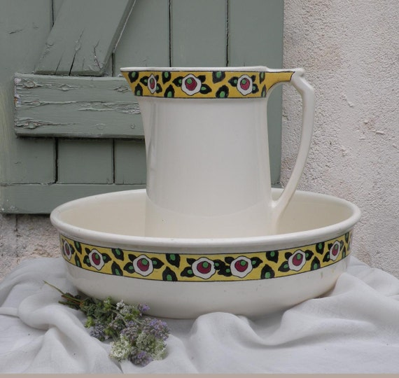 VERY LARGE Vintage wash basin and pitcher Belgian pitcher and # Wasbak Vintage_175721