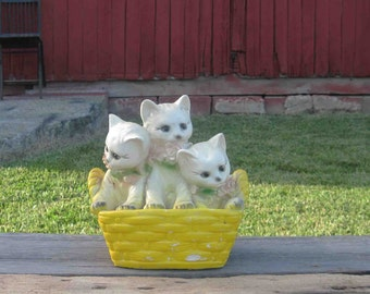 Vintage Chalkware 3 Cats In Basket Bank Unmarked