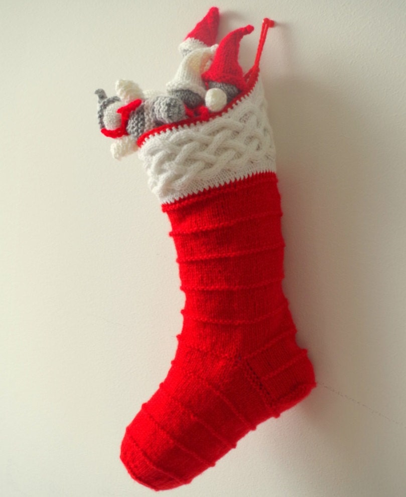 Knitting pattern for Christmas stocking with cables