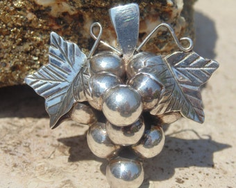 Mexican Sterling Vintage Grape Bunch Pendant / Pin