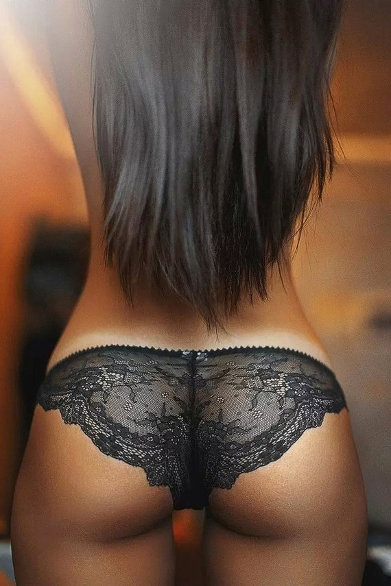 Ass In Sexy Panties 68