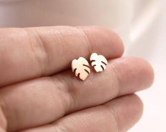 Copper Leaf Studs, Handmade Copper Leaf Earrings, Tropical Leaf Studs, Sterling Silver Backs,Beach Theme Studs,Leaf earrings, Monstera stud