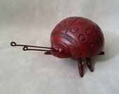 Sweet Cast Iron Ladybug Ring Holder, Garden Lady Bug Statue, Metal Ladybug Figurine, Garden Decor, Heavy Metal Toy, Ladybug Paperweight