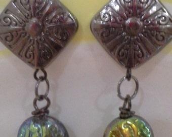 Gunmetal And Aurora Borealis Iris Green Beads  E 196