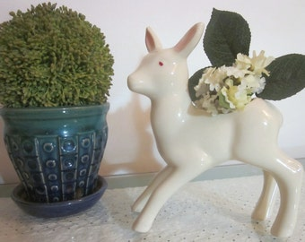 Vintage white deer planter statue, figurine. Fawn. Doe. Bambi. Everyday. Christmas.