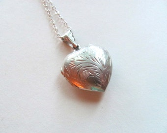 Gorgeous sterling silver vintage heart locket necklace, puffy locket, vintage heart, vintage bridal necklace