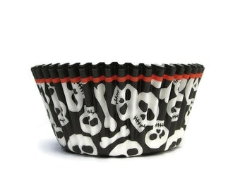 Cupcake Liners,Halloween Skulls, 75 Liners, Baking Cups, Cupcake Papers, Pirate Party, Halloween Skeleton, Wilton Liners, Muffin Liners