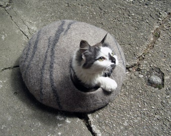 Cat cave/ cat bed / cat house /beige/ natural + GIFT